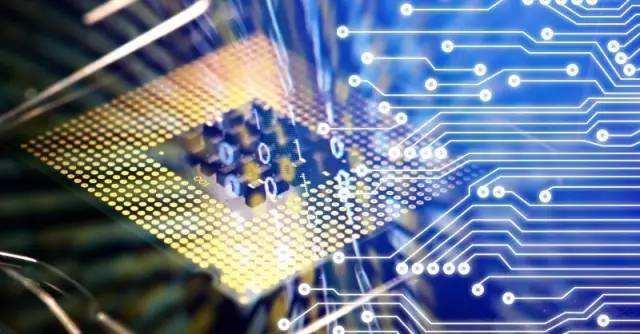 借助集成电路已大规模商用的cmos工艺平台实现硅光芯片的生产制造,可